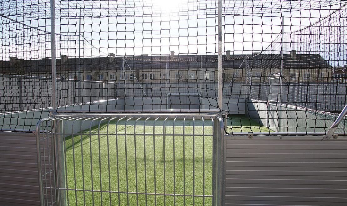 Dachspielfeld Monte Balan Montessori Schule