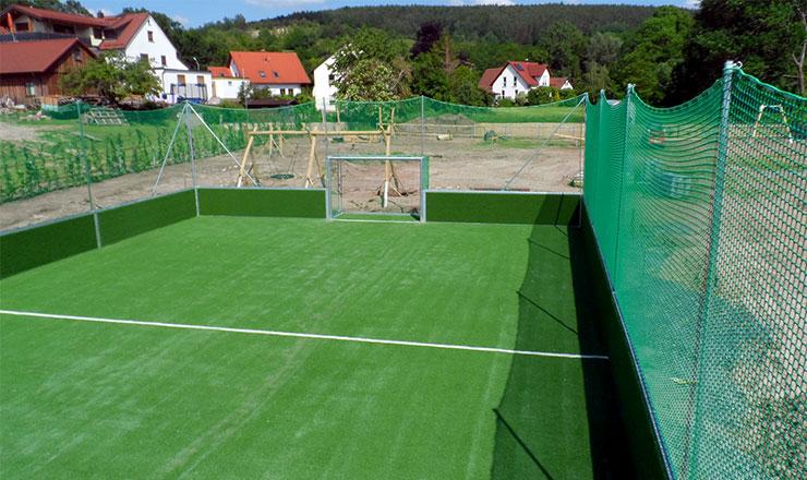 Original DFB-Minispielfeld im Neubaugebiet Forstlahm in Kulmbach